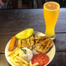 Almuerzo Especial De Pechuga A La Parrilla