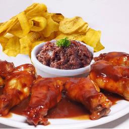 Combo Alitas BBQ + Chips de Platano + Fríjoles Molidos + Gaseosa