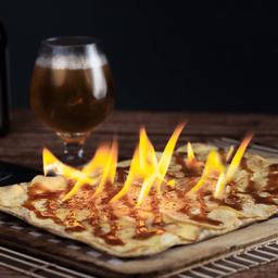 Pizza  Flambée de Manzana y Canela