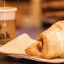 Cafè Latte 12oz + Croissant