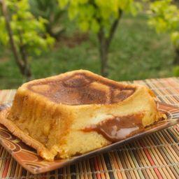 Torta Maduro Queso Mozzarella y Arequipe