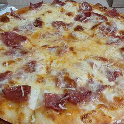 Pizza de Salami Mediana