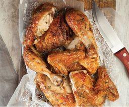 1/2 Pollo + 2 Acompañamientos
