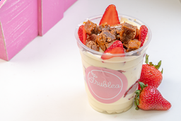 Fresas con Crema y Brownie