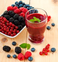 Jugo Natural en Agua de Frutos Rojos