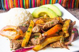 Lomo Salteado Peruano