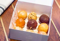 Caja de mini donuts