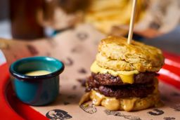 Hamburguesa Nasty Fat Joe, Papas Fritas