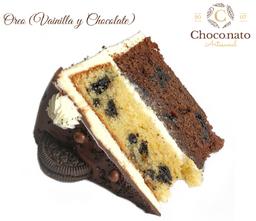 Porción Torta de Oreo Vainilla y Chocolate