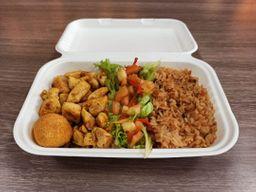 Almuerzo hindú con pollo Karahi