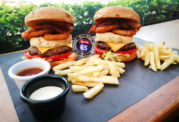 2x1 Cheddar Street Burger