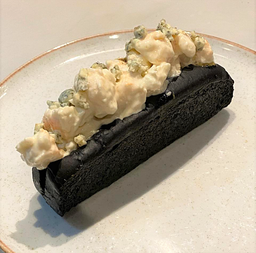 Black and Blue Roll