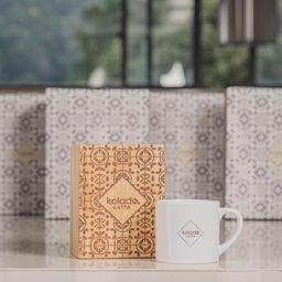 Kit Regalo Caja de Pino Kolado caffé por x 20 fils  y Minimug