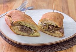 Torta Mexicana de carne desmechada