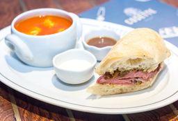 1/2 Sándwich + Sopa