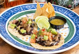 Tacos Vegetarianos con Frijoles
