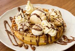 Waffle Pavlova