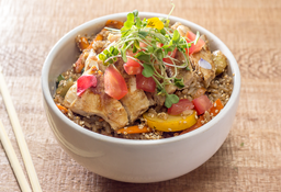 Wok Pollo en Curry Rojo ( Picante )